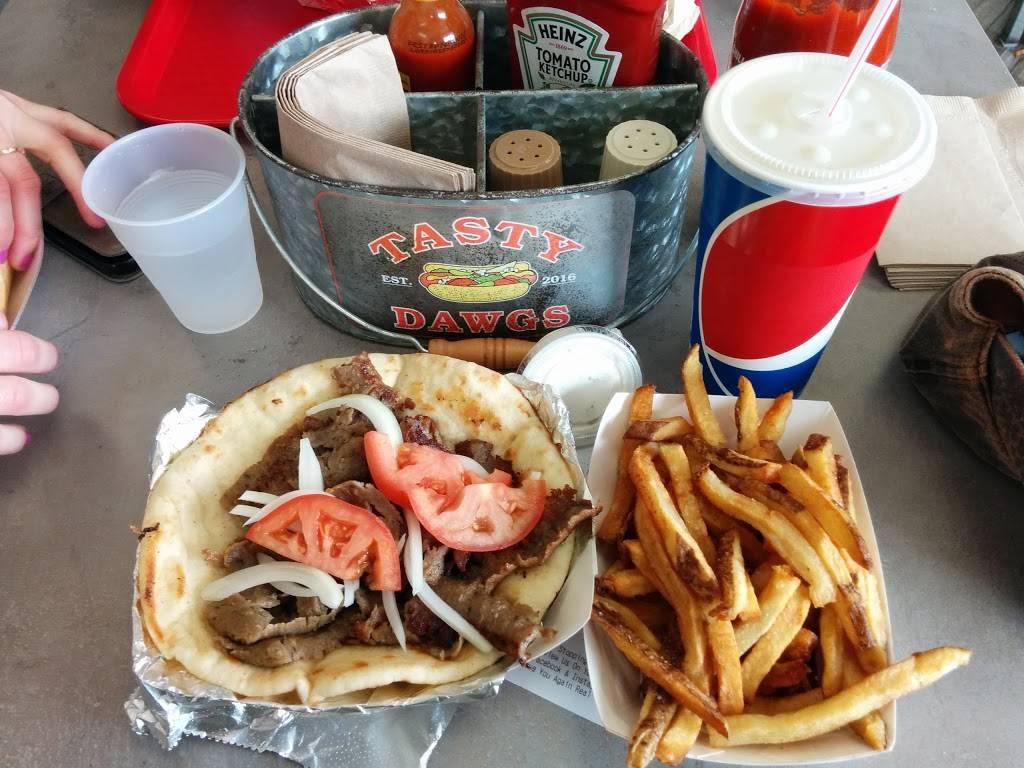 Tasty Dawgs of Elk Grove   restaurant   812 E Higgins Rd, Elk Grove Village, IL 60007, USA   8472584281 OR +1 847-258-4281