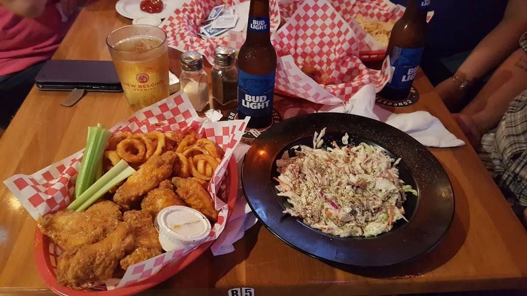RJs Wild Wild Wings   restaurant   4930, 5130 Gall Blvd, Zephyrhills, FL 33542, USA   8133955937 OR +1 813-395-5937