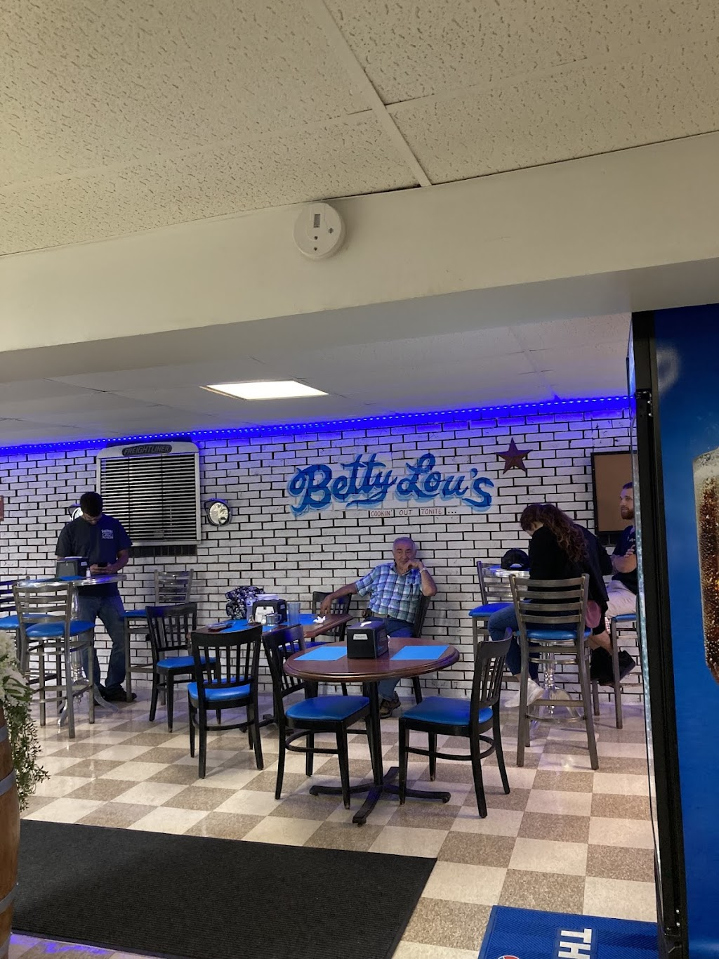 Betty Lou's   restaurant   225 Gilliespie Hollow Rd, Fayette City, PA 15438, USA   7242798020 OR +1 724-279-8020