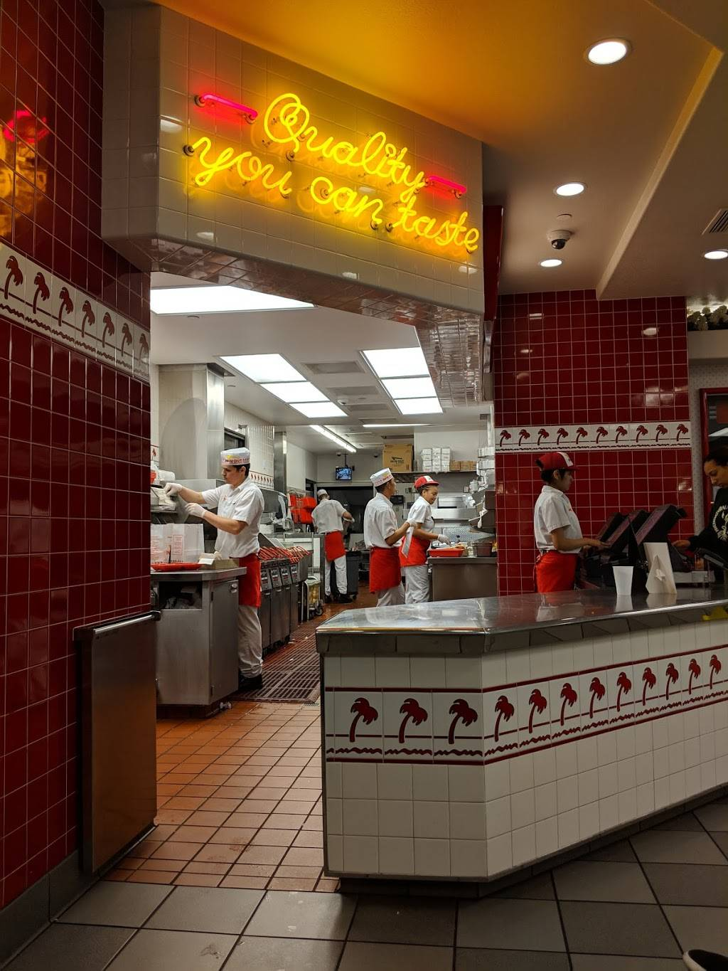 In-N-Out Burger   restaurant   555 Willie Stargell Ave, Alameda, CA 94501, USA   8007861000 OR +1 800-786-1000