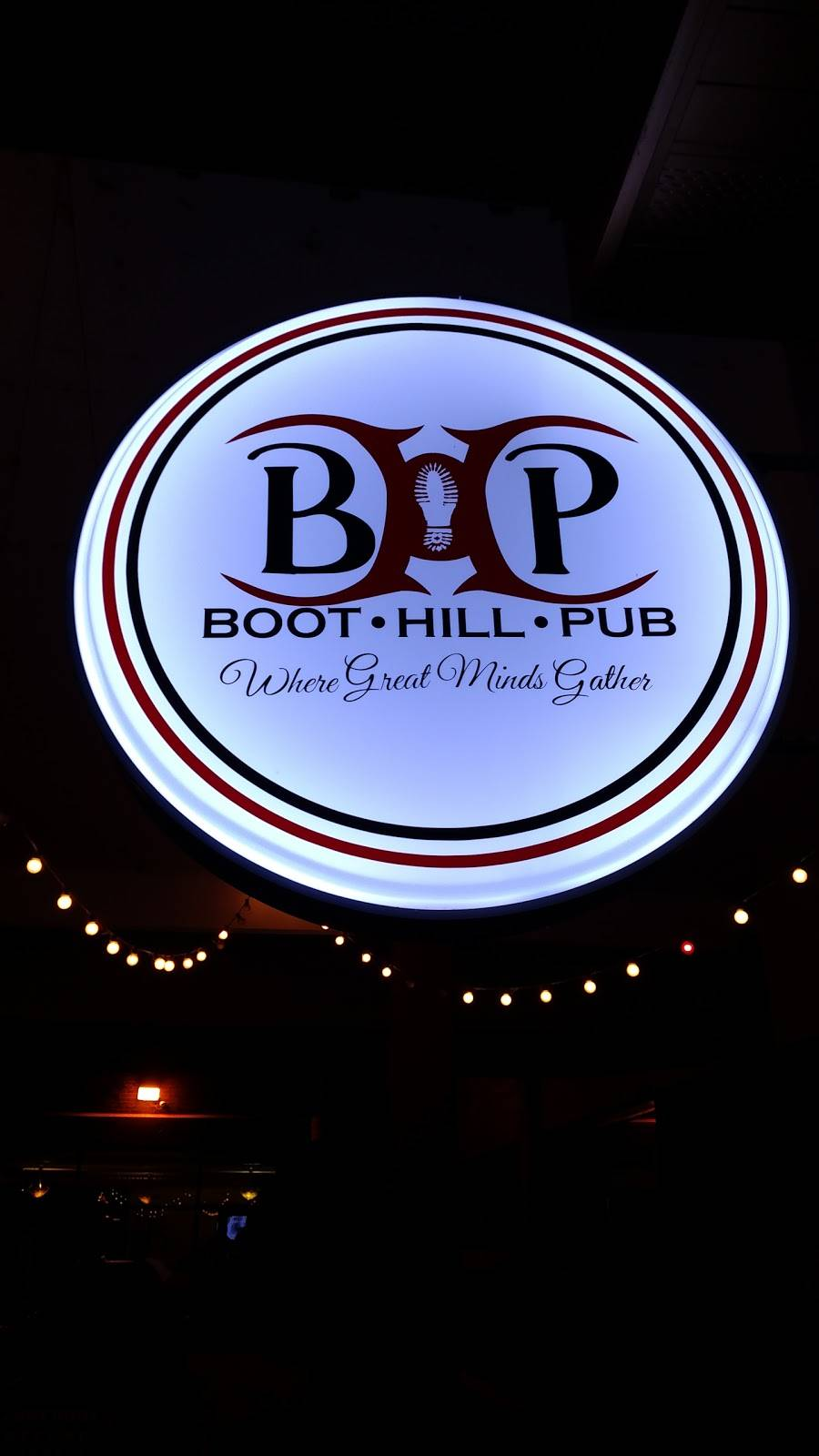 Boot Hill Pub | restaurant | 1501 St Andrew St, La Crosse, WI 54603, USA | 6087823826 OR +1 608-782-3826