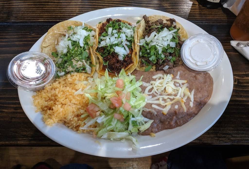 Edgewater Tacos   restaurant   5624 N Broadway, Chicago, IL 60660, USA   7739440847 OR +1 773-944-0847