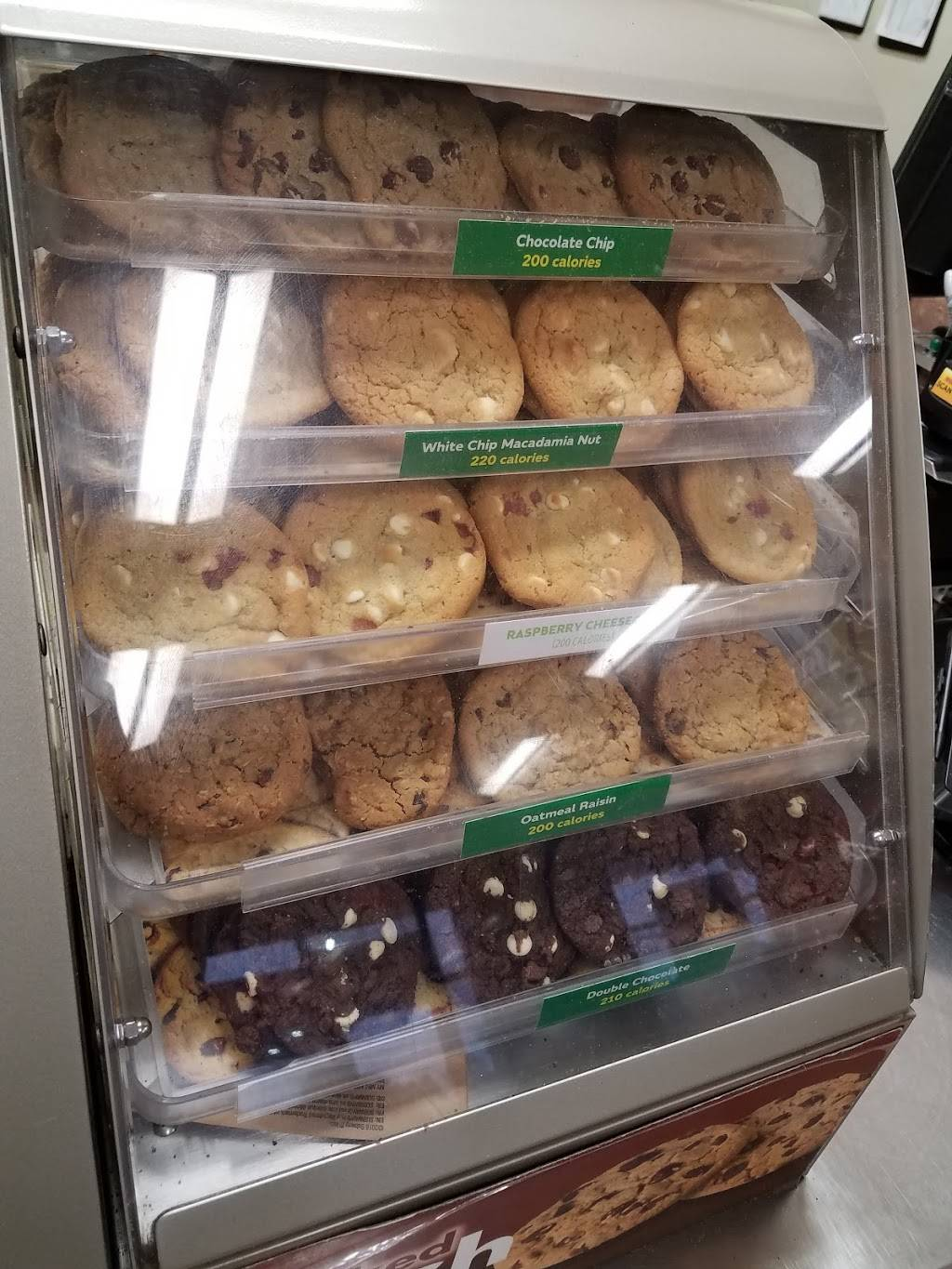 Subway | restaurant | 2015 W Lucas St, Florence, SC 29501, USA | 8436622673 OR +1 843-662-2673