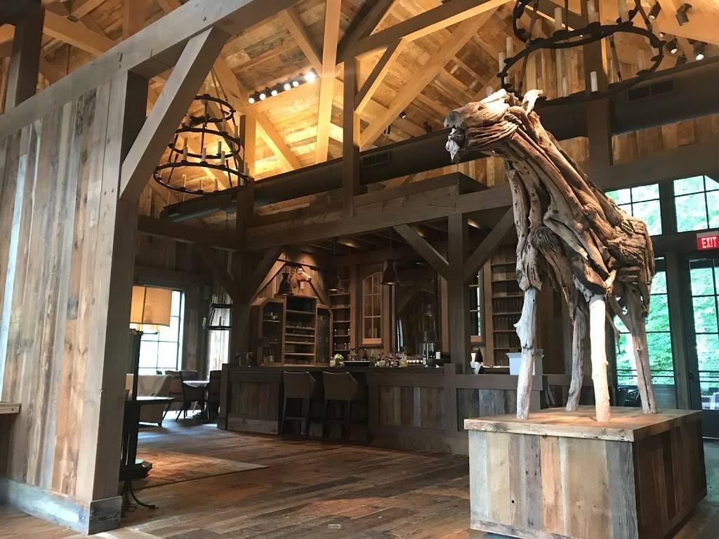 Artisanal Restaurant   restaurant   1200 Dobbins Rd, Banner Elk, NC 28604, USA   8288985395 OR +1 828-898-5395