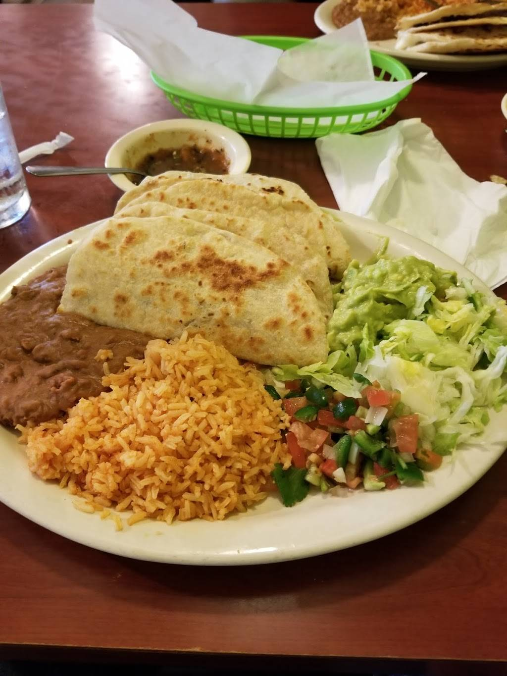 Trigos Mexican Restaurant | restaurant | 5902 Fulton St, Houston, TX 77009, USA | 7136922951 OR +1 713-692-2951