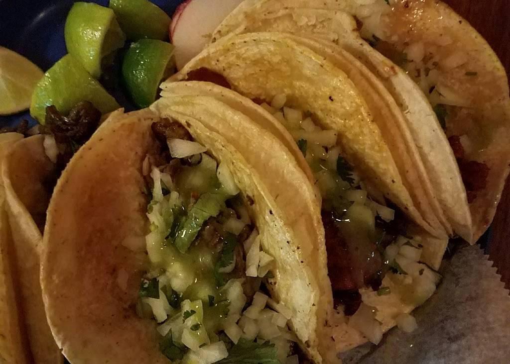 Taqueria El Barrio | restaurant | 2327 1st Avenue, New York, NY 10035, USA | 6466493052 OR +1 646-649-3052
