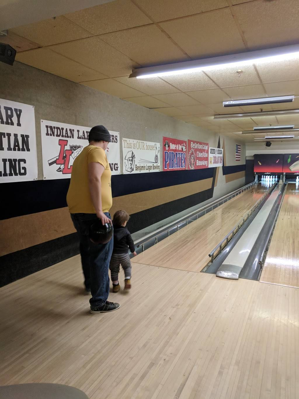 T P Bowling Lanes | restaurant | 300 E Lake Ave, Bellefontaine, OH 43311, USA | 9375991094 OR +1 937-599-1094