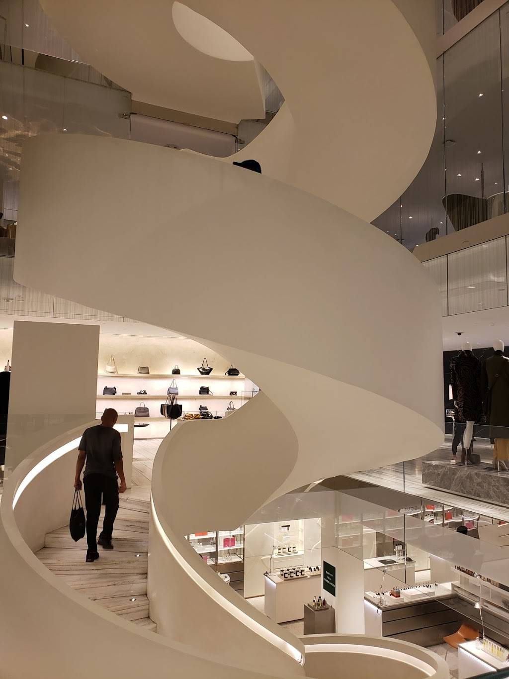 101 7th Avenue | shopping mall | 101 7th Ave, New York, NY 10011, USA | 2036355560 OR +1 203-635-5560