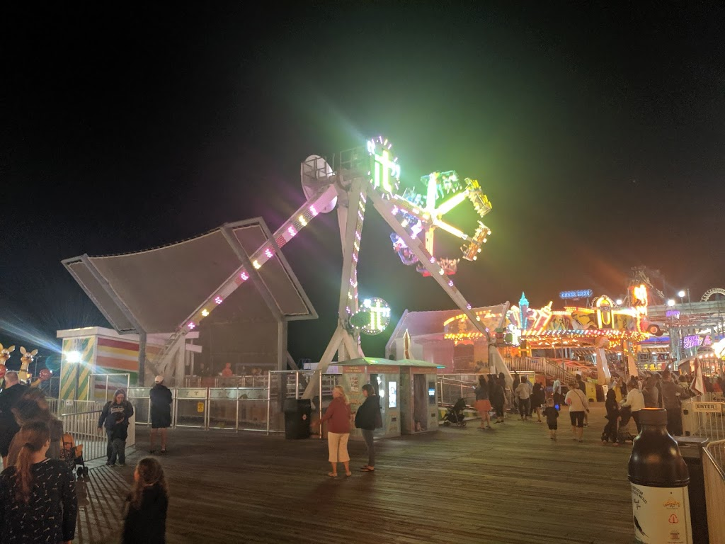 Ocean Oasis Water Park + Beach Club   restaurant   2501 Boardwalk, Wildwood, NJ 08260, USA   6095223900 OR +1 609-522-3900