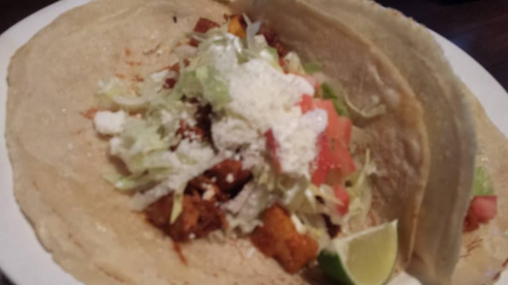Taqueria Los Jarritos   restaurant   121A Nagle Ave, New York, NY 10040, USA   2127402496 OR +1 212-740-2496