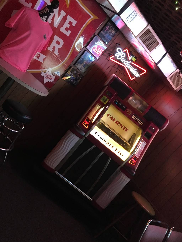 Wendis Bar | restaurant | 22801 TX-94 N, Apple Springs, TX 75926, USA | 9368312066 OR +1 936-831-2066