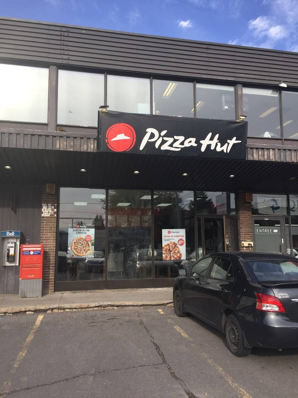 Pizza Hut   meal takeaway   5836 Chemin de Chambly, Longueuil, QC J3Y 6W9, Canada   4504622424 OR +1 450-462-2424