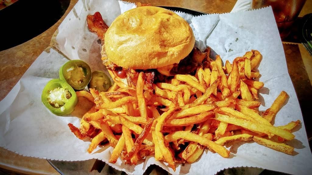 Double Dogs Restaurant | restaurant | 3703 4017, Charlotte Ave, Nashville, TN 37209, USA | 6297778500 OR +1 629-777-8500