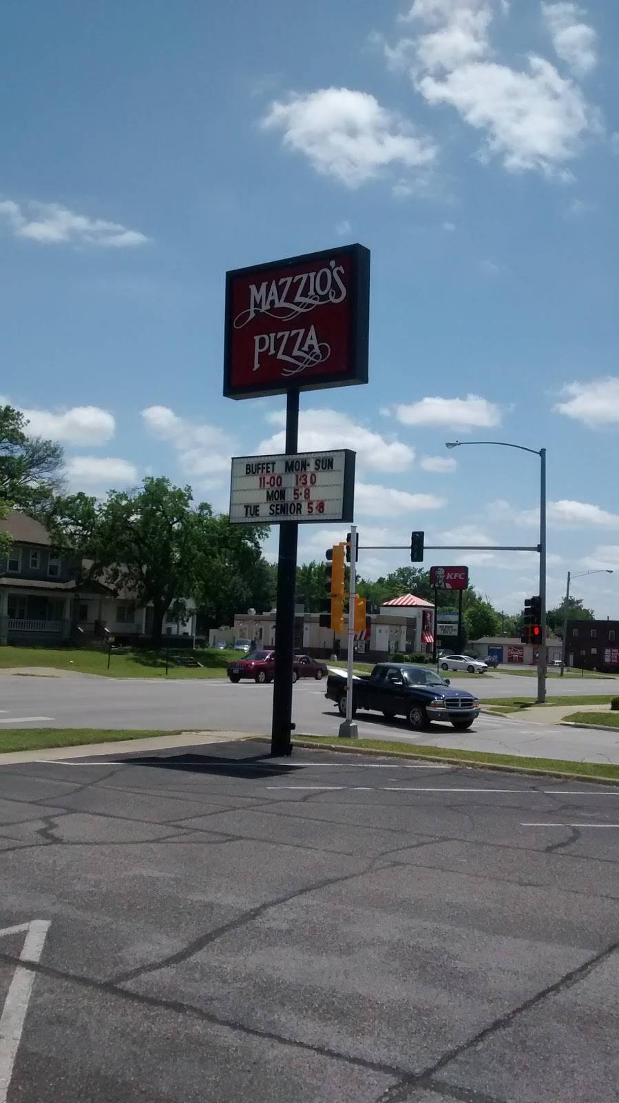 Mazzios Italian Eatery | meal delivery | 818 S Broadway St, Pittsburg, KS 66762, USA | 6202323535 OR +1 620-232-3535