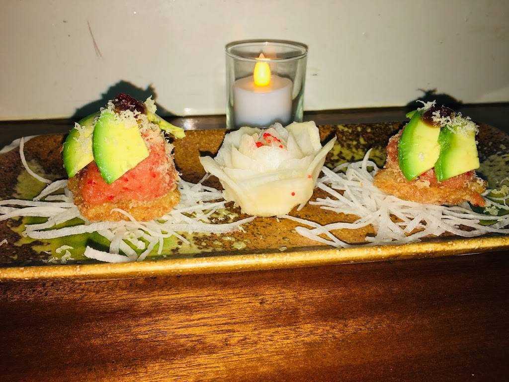 Shoga Sushi & Oyster Bar | restaurant | 300 E 88th St, New York, NY 10128, USA | 2122894635 OR +1 212-289-4635