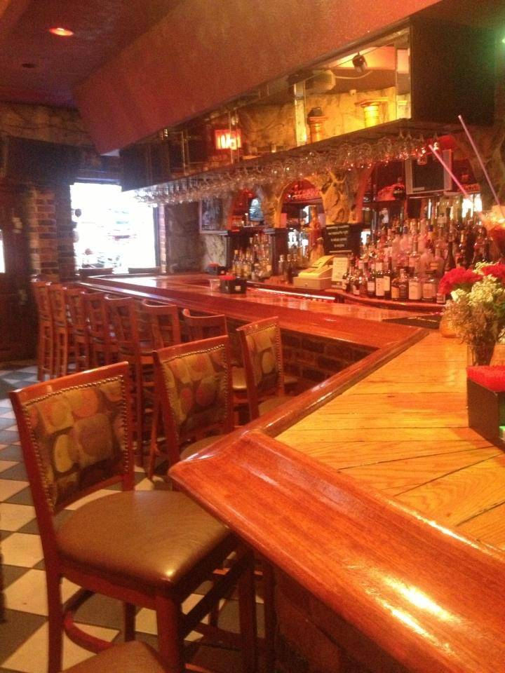 The South of France | restaurant | 1800 Westchester Ave, Bronx, NY 10472, USA | 7188231133 OR +1 718-823-1133