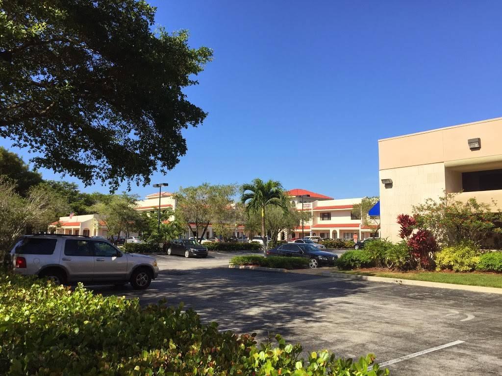Fontana Plaza Shopping Center Boca Raton, FL   shopping mall   9045 La Fontana Blvd, Boca Raton, FL 33434, USA   5614777880 OR +1 561-477-7880