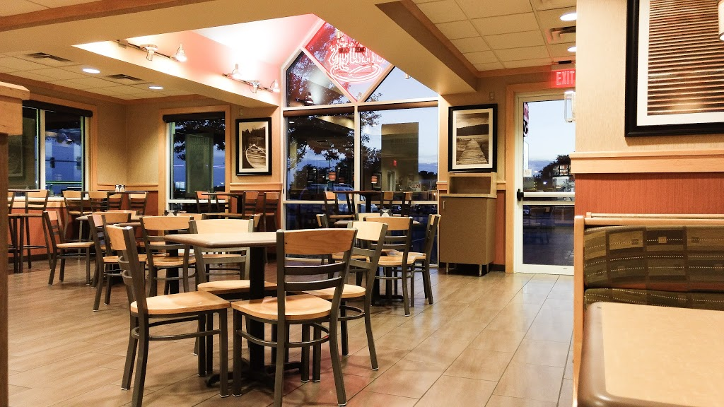Arbys | meal takeaway | 5050 N Cliff Ave, Sioux Falls, SD 57104, USA | 6053369776 OR +1 605-336-9776