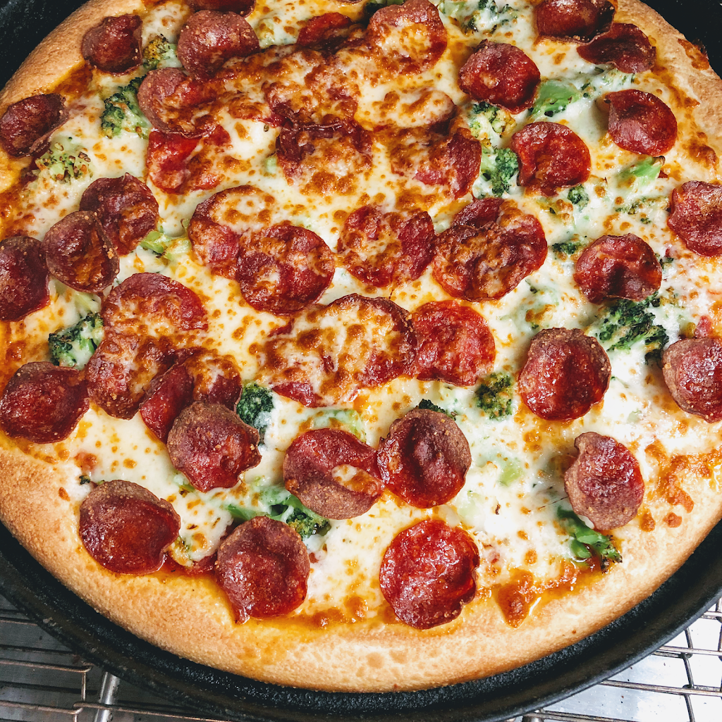 Keystone Pizza | restaurant | 7421 West Chester Pike, Upper Darby, PA 19082, USA | 6107341206 OR +1 610-734-1206