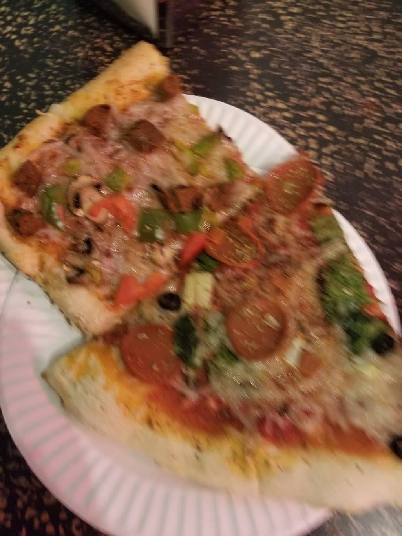 Norberts Pizza | restaurant | 4 Stuyvesant Ave, Brooklyn, NY 11221, USA | 7185743400 OR +1 718-574-3400