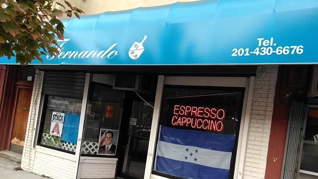 Ricon Catracho | restaurant | 1117 New York Ave, Union City, NJ 07087, USA | 2014306676 OR +1 201-430-6676
