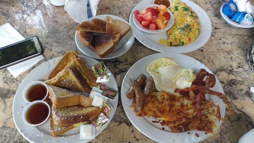 Milas Centre City Cafe | cafe | 2680 S Escondido Blvd, Escondido, CA 92025, USA | 7604896011 OR +1 760-489-6011