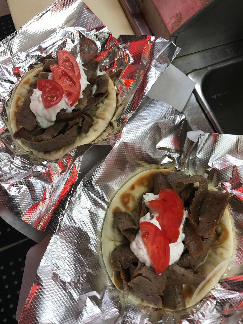 Scoobys Red Hot's | restaurant | 1039 S Arlington Heights Rd #c, Arlington Heights, IL 60005, USA | 8477180550 OR +1 847-718-0550