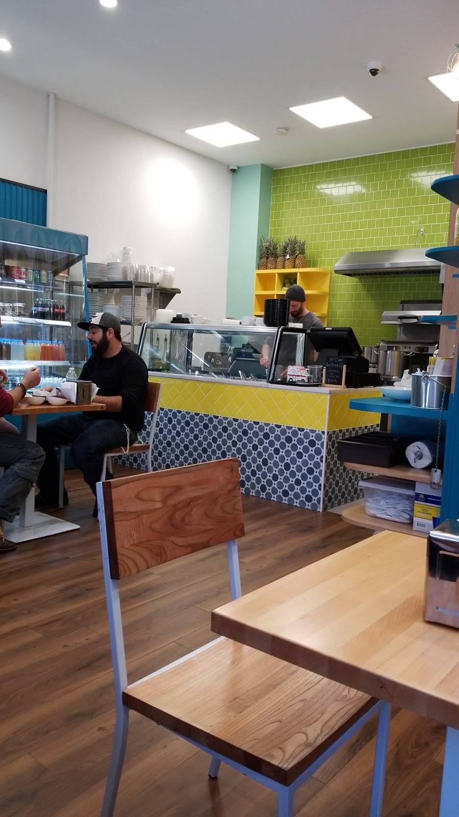 Meraki Hummus & Juice | restaurant | 1671-73A E 13th St, Brooklyn, NY 11229, USA | 7186767420 OR +1 718-676-7420