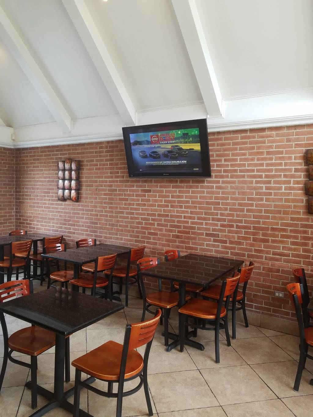 Angelinas Pizza | restaurant | 41 Prospect Ave, Hartford, CT 06106, USA | 8602324080 OR +1 860-232-4080