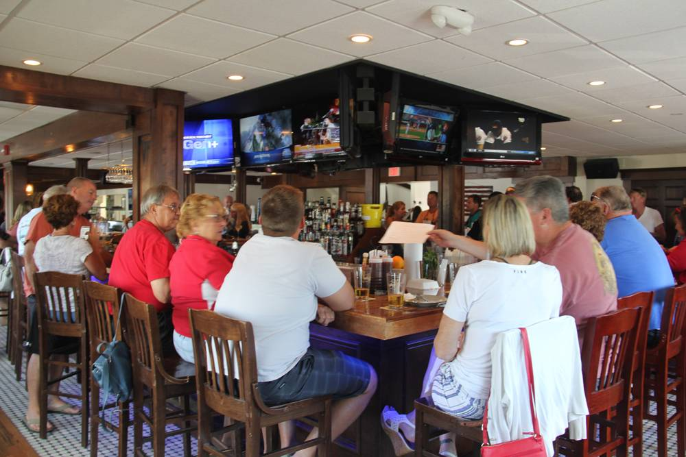 Dukes Tavern & Tap   restaurant   401 Broadway, Point Pleasant Beach, NJ 08742, USA   7328929000 OR +1 732-892-9000