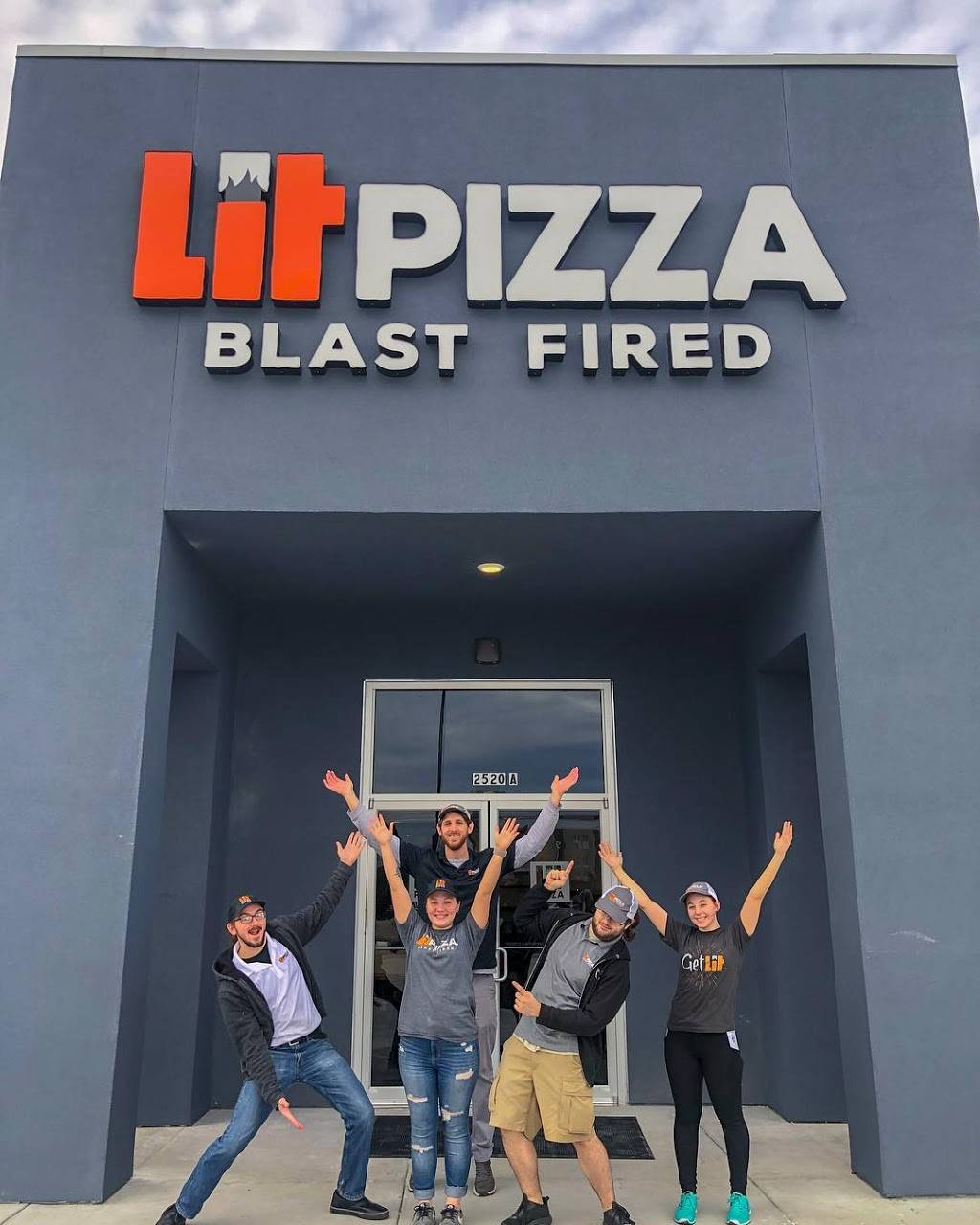 Lit Pizza - Outfitters Dr. | restaurant | 2520 W Outfitters Dr Ste A, Gonzales, LA 70737, USA | 2254246144 OR +1 225-424-6144
