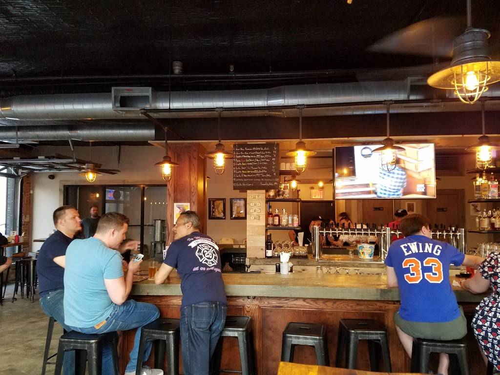 Gun Hill Tavern | restaurant | 2515 3rd Ave, Bronx, NY 10451, USA | 7184020808 OR +1 718-402-0808