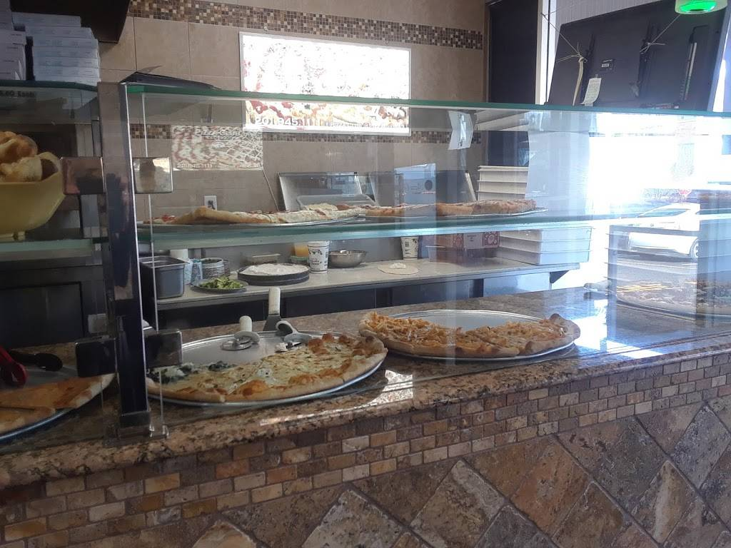 Pizza Club   meal delivery   725 River Rd, Edgewater, NJ 07020, USA   2019451111 OR +1 201-945-1111