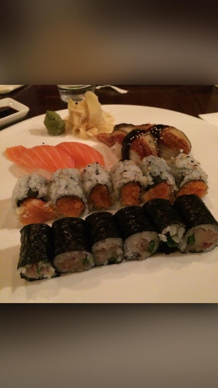 Kiku Sushi   restaurant   361 7th Ave, Brooklyn, NY 11215, USA   7184992288 OR +1 718-499-2288