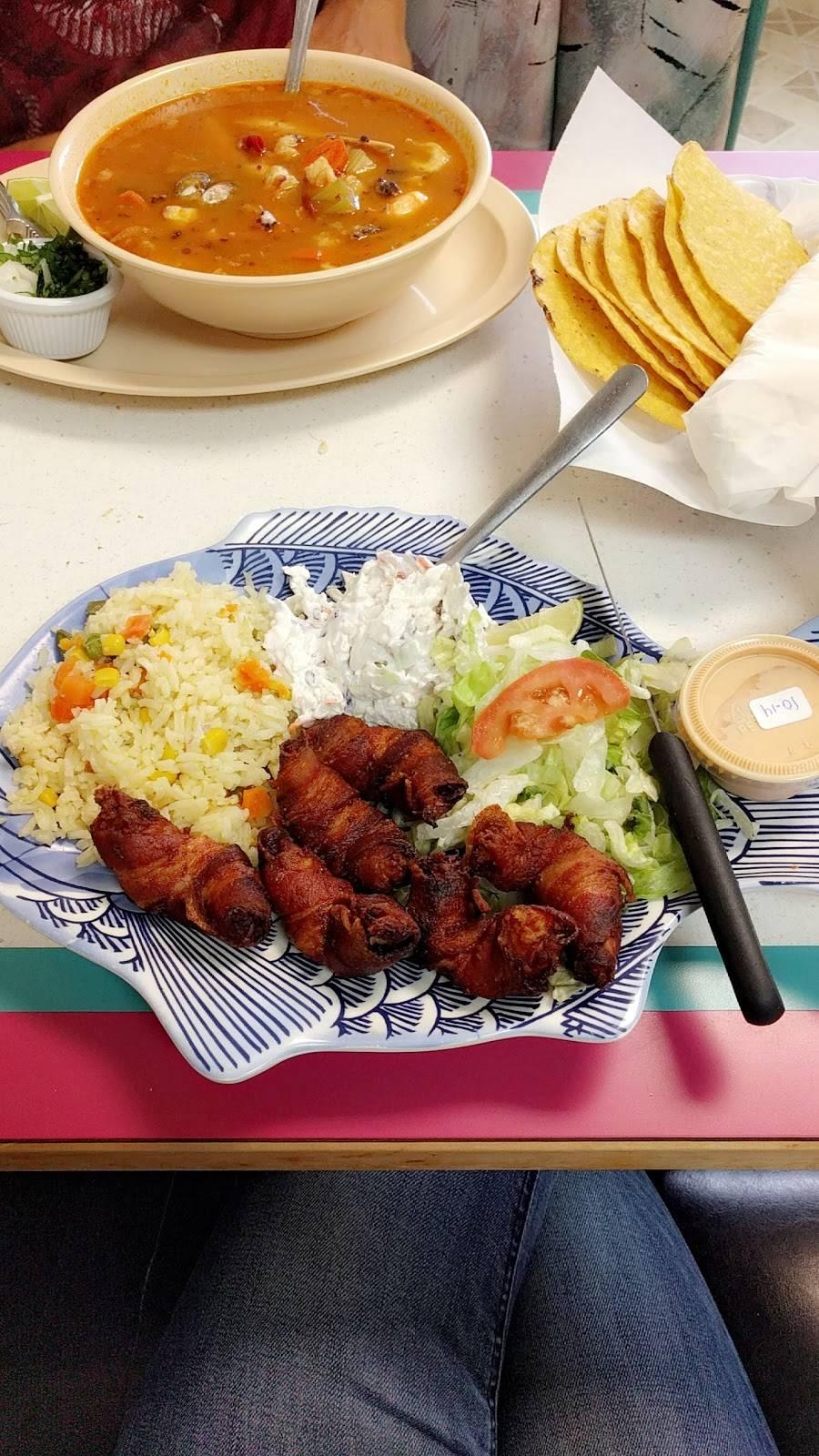 Mariscos Cheli   restaurant   1851 N Broadway, Wichita, KS 67214, USA   3162017240 OR +1 316-201-7240