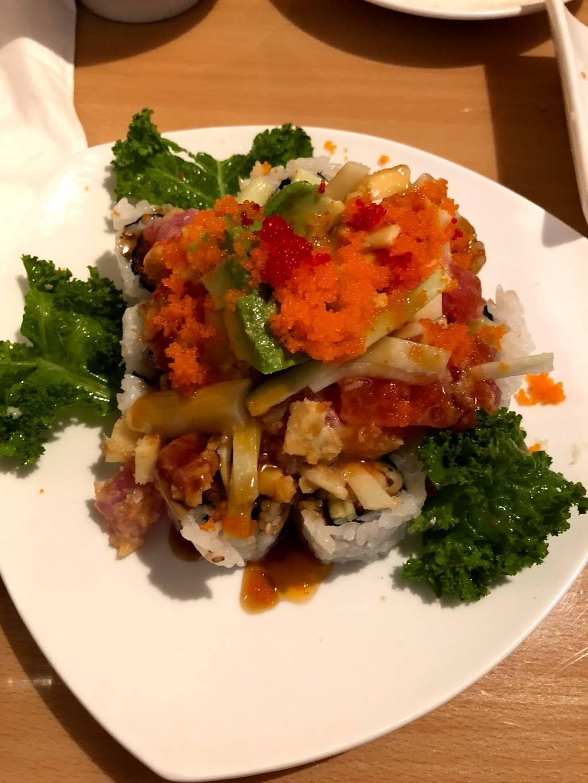 Kyoto Sushi   restaurant   78 Washington Ave, Dumont, NJ 07628, USA   2013845544 OR +1 201-384-5544