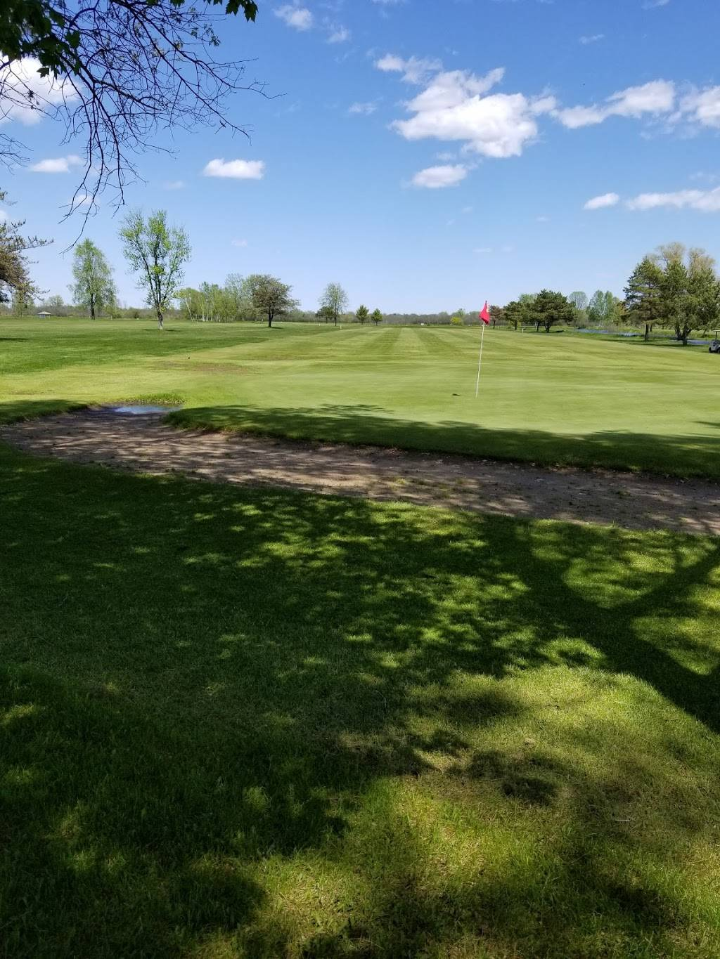 Shore Breeze Golf Course | restaurant | 532 Jefferson St, Oconto, WI 54153, USA | 9208343139 OR +1 920-834-3139