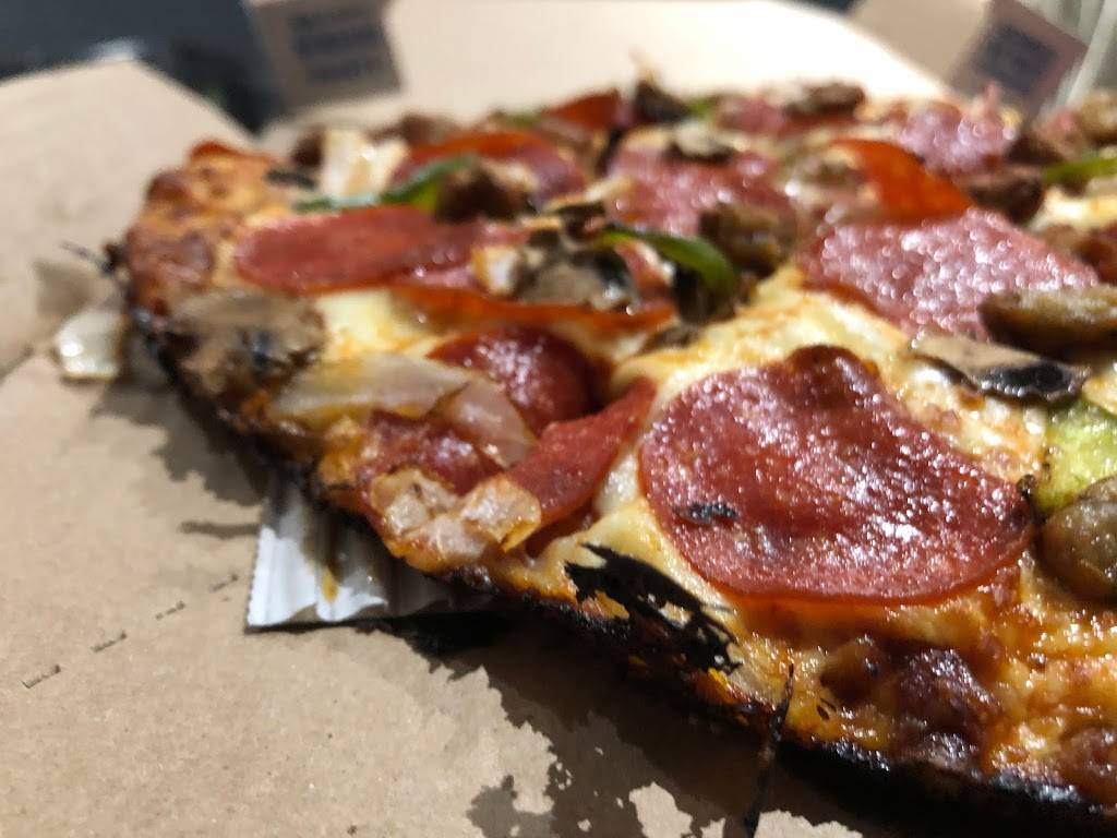 Dominos Pizza | meal delivery | 10 Dewside Dr #15, Brampton, ON L6R 3Y3, Canada | 2893233323 OR +1 289-323-3323