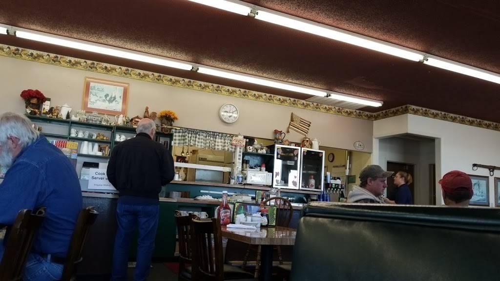 Goldenrod Cafe   restaurant   1616 E South St, Hastings, NE 68901, USA   4024614999 OR +1 402-461-4999