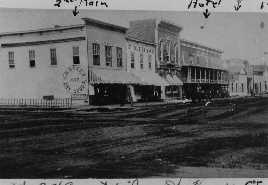 Carter House Market & Cafe | restaurant | 119 Main St, Cedar Falls, IA 50613, USA | 3192604030 OR +1 319-260-4030