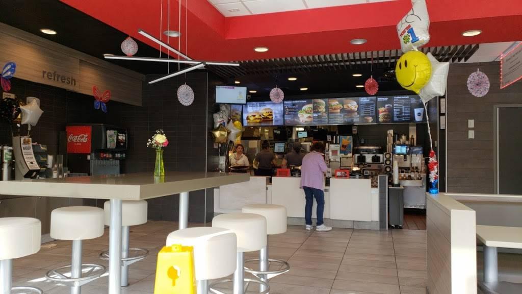 McDonalds   cafe   13840 Noblewood Plaza, Woodbridge, VA 22193, USA   7036706203 OR +1 703-670-6203