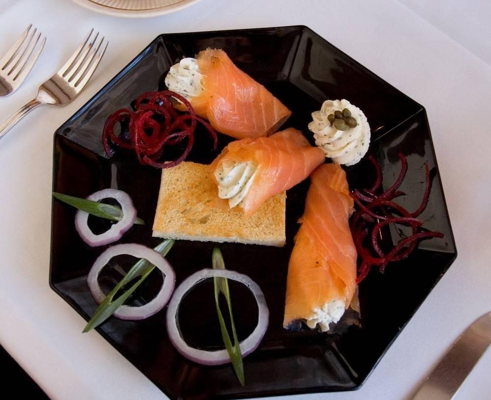 The Prince & The Pauper Restaurant | restaurant | 24 Elm St, Woodstock, VT 05091, USA | 8024571818 OR +1 802-457-1818