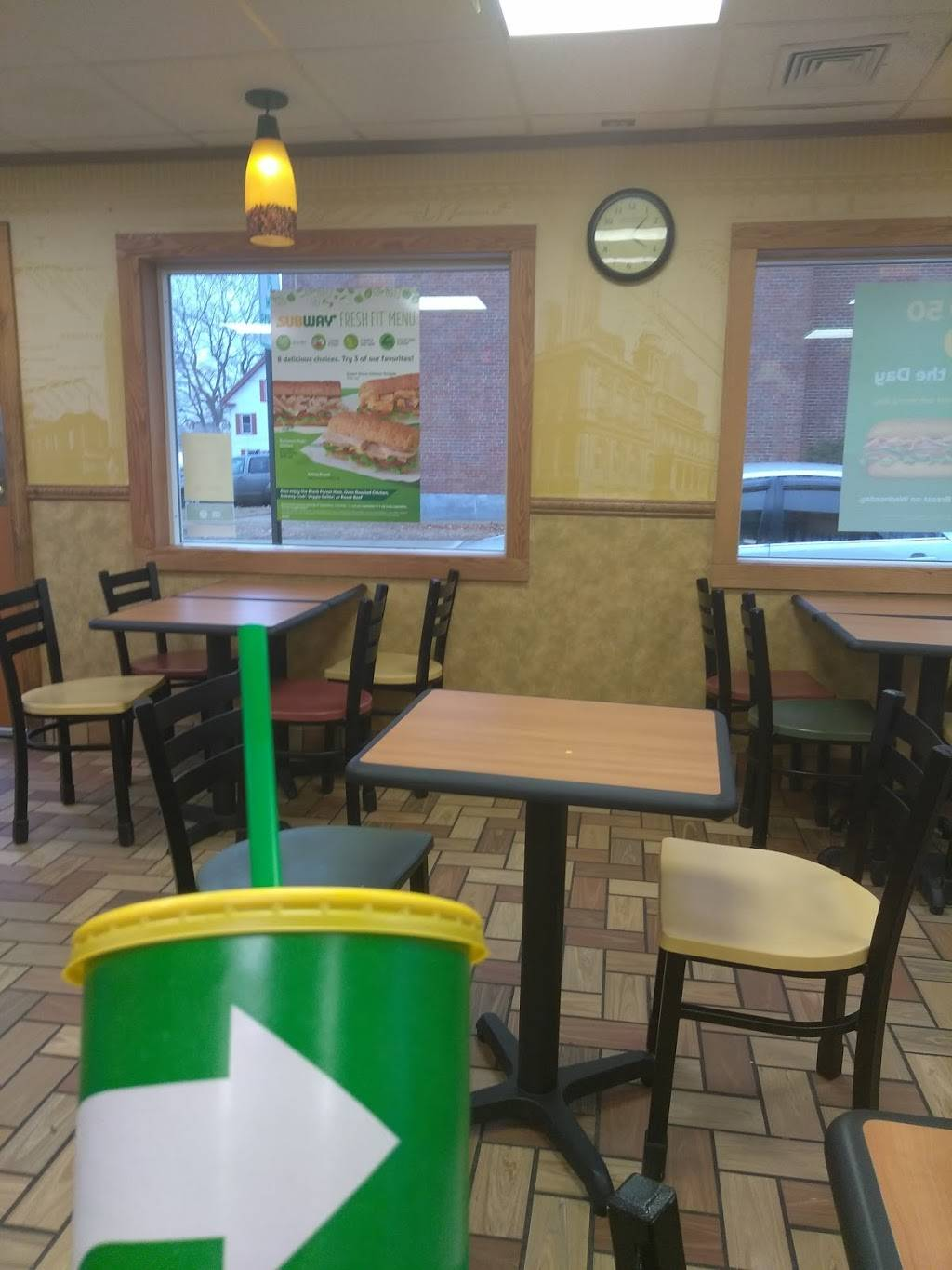 Subway   restaurant   33 High St, Willimantic, CT 06226, USA   8604238585 OR +1 860-423-8585