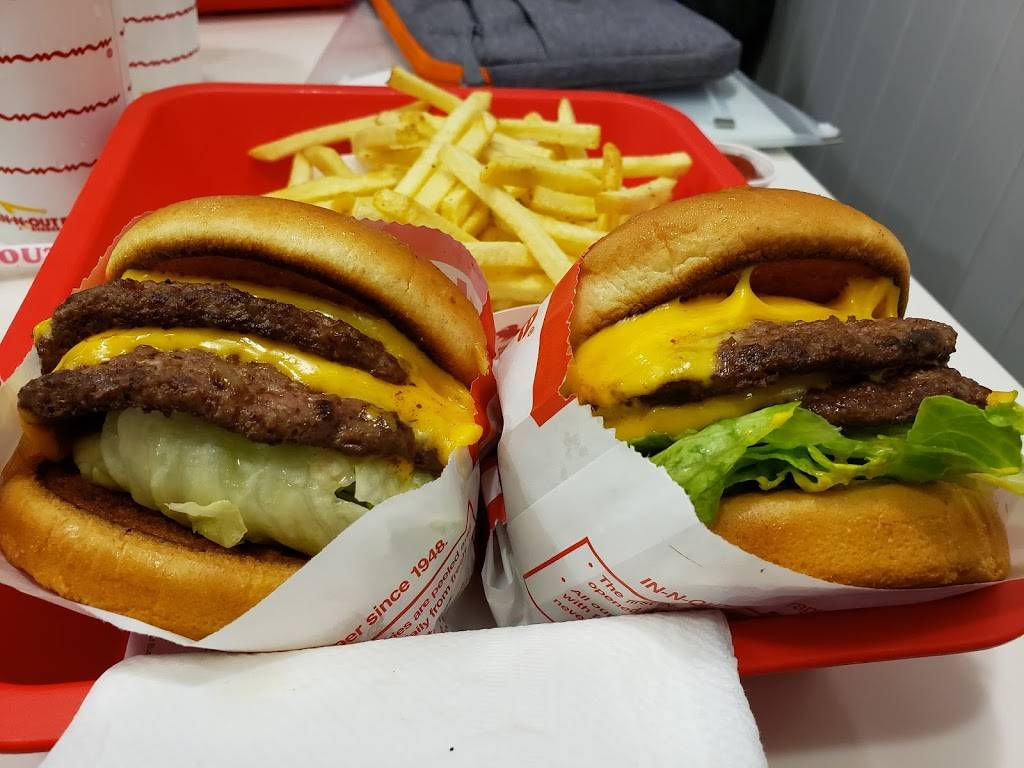 In-N-Out Burger   restaurant   11 Rollins Rd, Millbrae, CA 94030, USA   8007861000 OR +1 800-786-1000