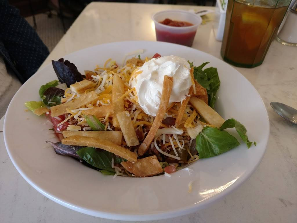 The Village Parlor | restaurant | 22 S Broadway St, Lebanon, OH 45036, USA | 5139326918 OR +1 513-932-6918