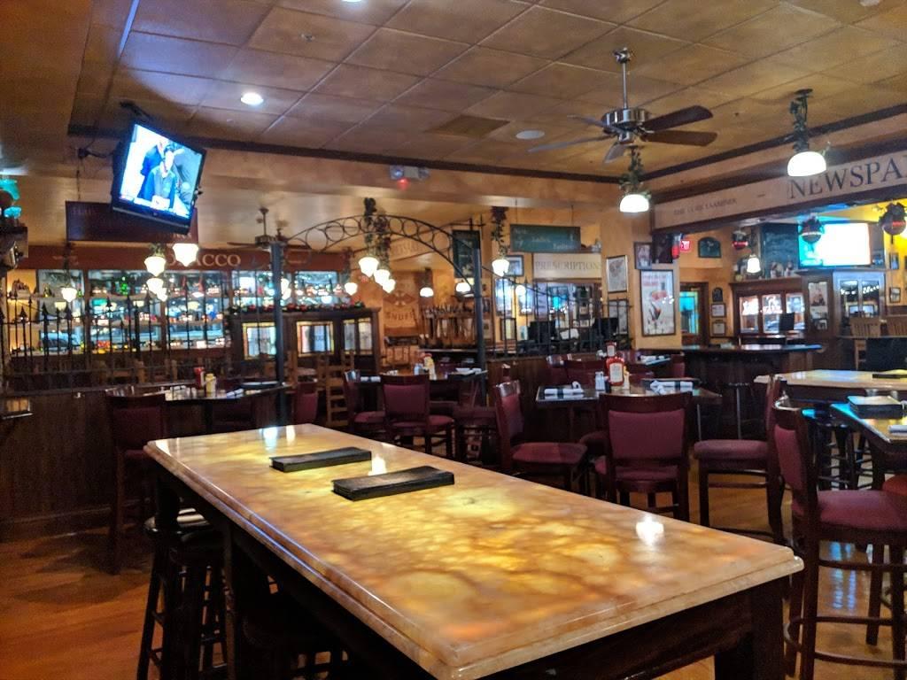 Peggy Kinnanes Irish Restaurant & Pub | restaurant | 8 N Vail Ave, Arlington Heights, IL 60004, USA | 8475777733 OR +1 847-577-7733