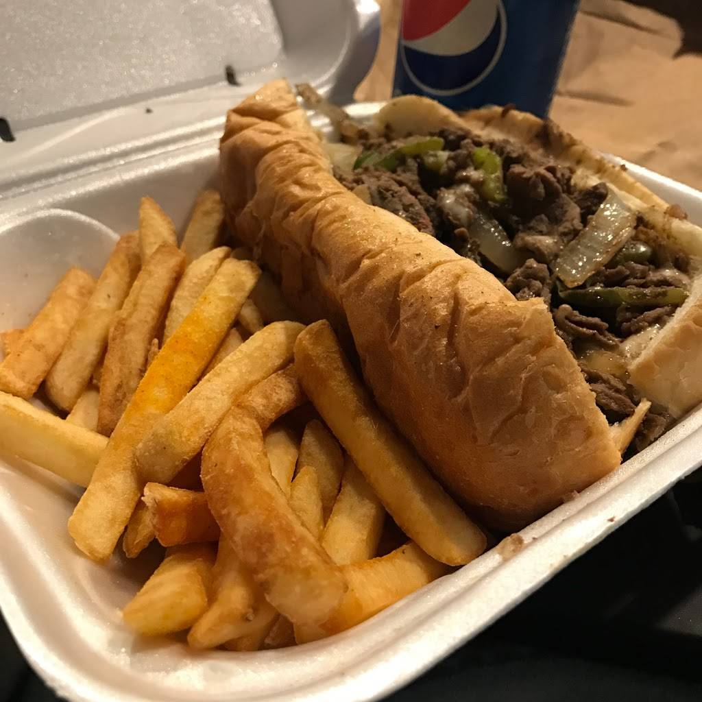 Papa Philly | restaurant | 1608 Emerson St, Evanston, IL 60201, USA | 8478596293 OR +1 847-859-6293