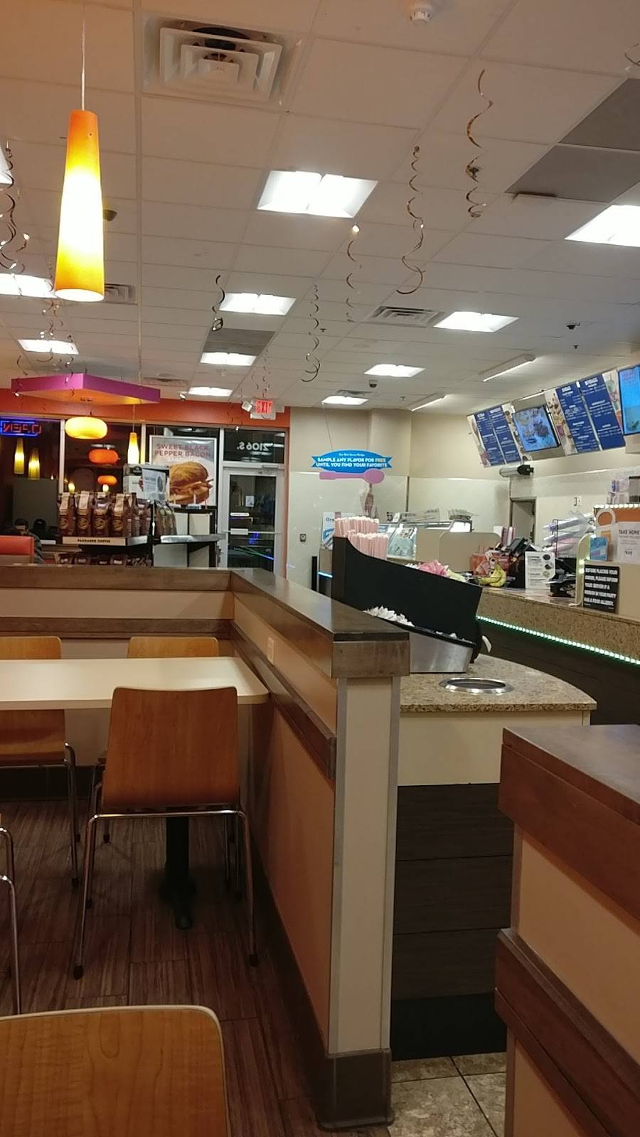 Dunkin Donuts   cafe   2106 S Arlington Heights Rd, Arlington Heights, IL 60005, USA   8477580001 OR +1 847-758-0001