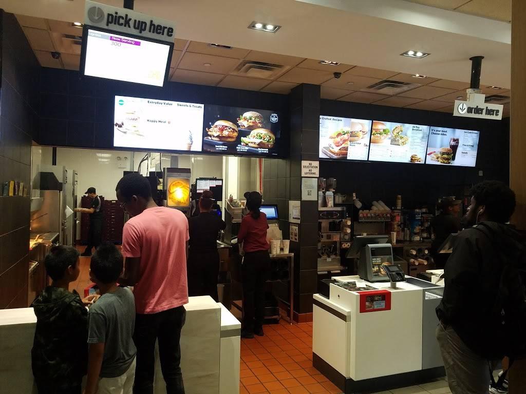 McDonalds | cafe | 3809 Broadway, New York, NY 10032, USA | 2125687903 OR +1 212-568-7903