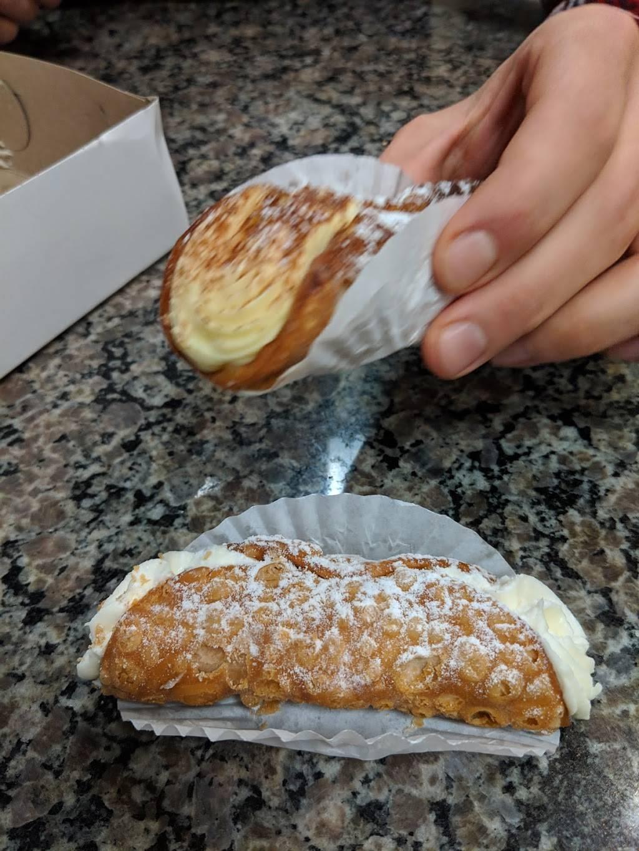 Pâtisserie Dolce Sapore | bakery | 2000 Boulevard René-Laennec, Laval, QC H7M 4J8, Canada | 4506295115 OR +1 450-629-5115